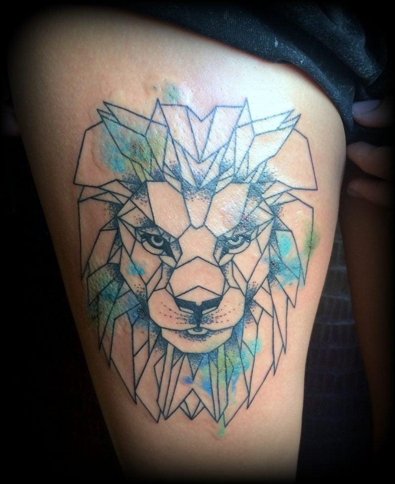 Tattoo Löwe geometrisch Aquarell