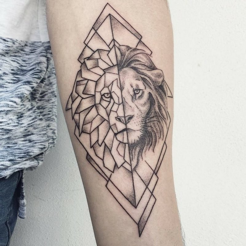 Tattoo Löwe geometrisch stilvoller Look