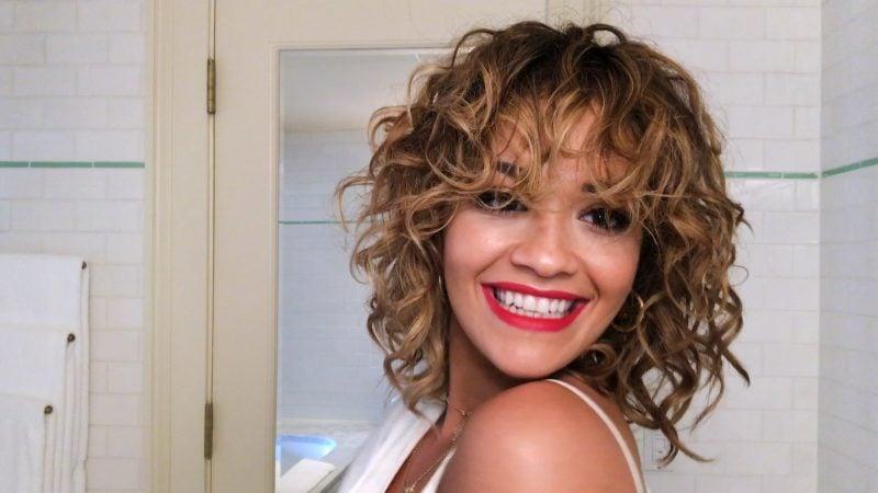 Kurze Haare locken Rita Ora