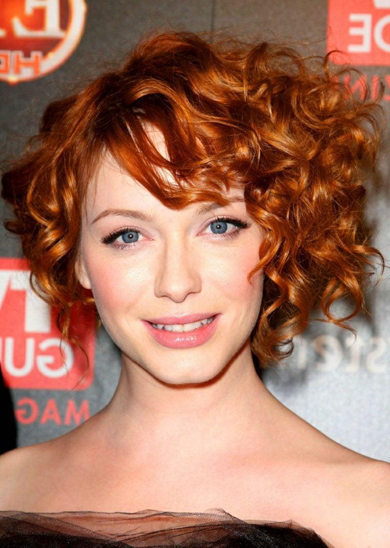 Kurze Haare locken rot romantischer Look