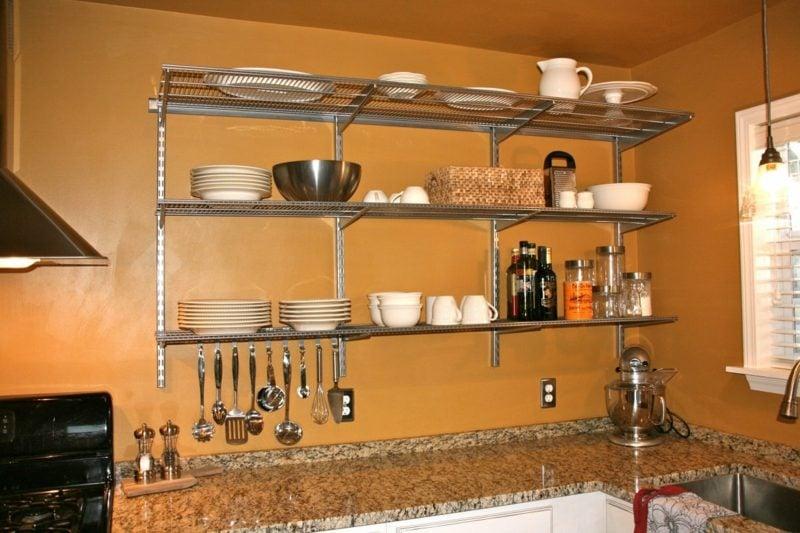 Küchenregale aus Metall platzsparend