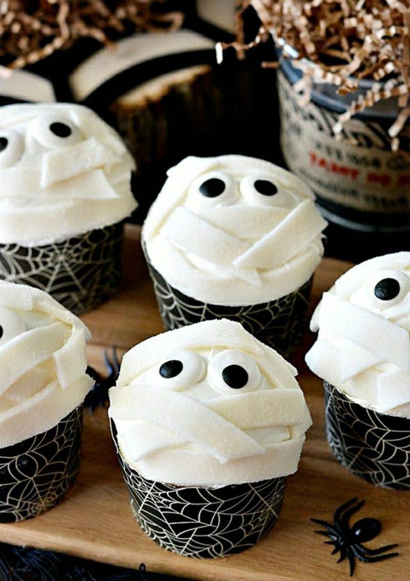 Halloween Muffins Rezept Mumien