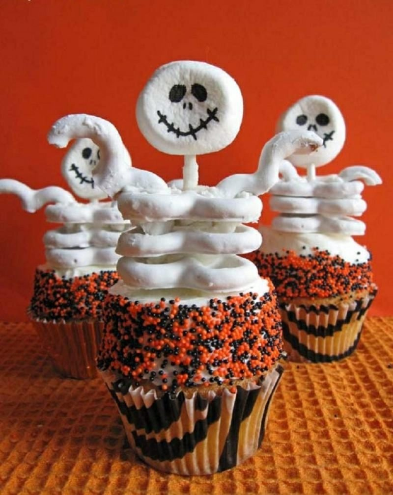 Halloween Muffins Rezept Skelette
