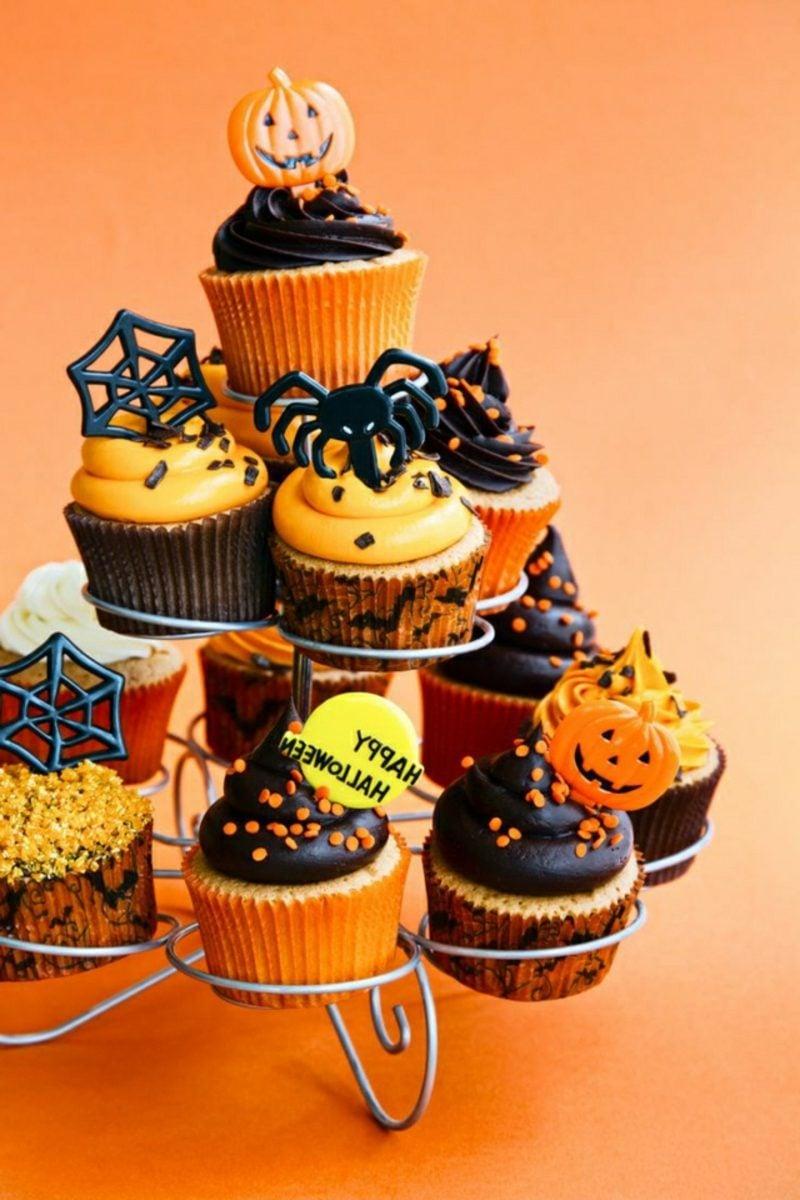 Halloween Muffins Rezept Kürbisse Spinnen