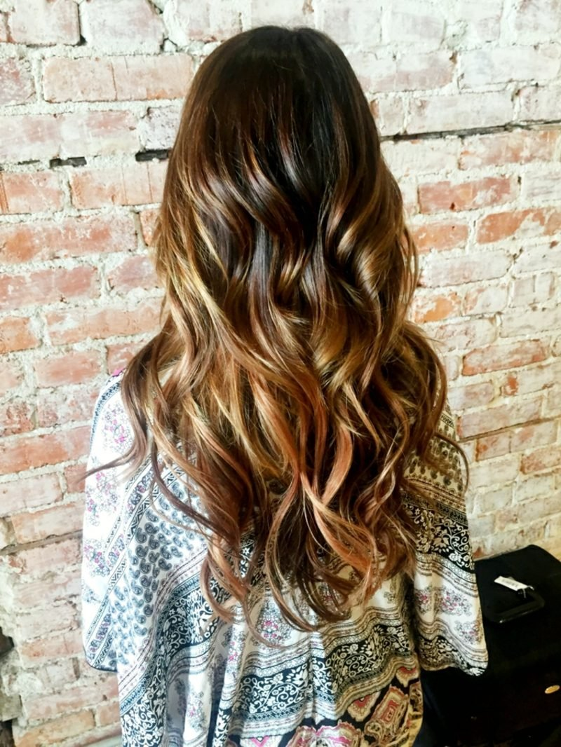 Ombre Braun Caramel welliges Haar
