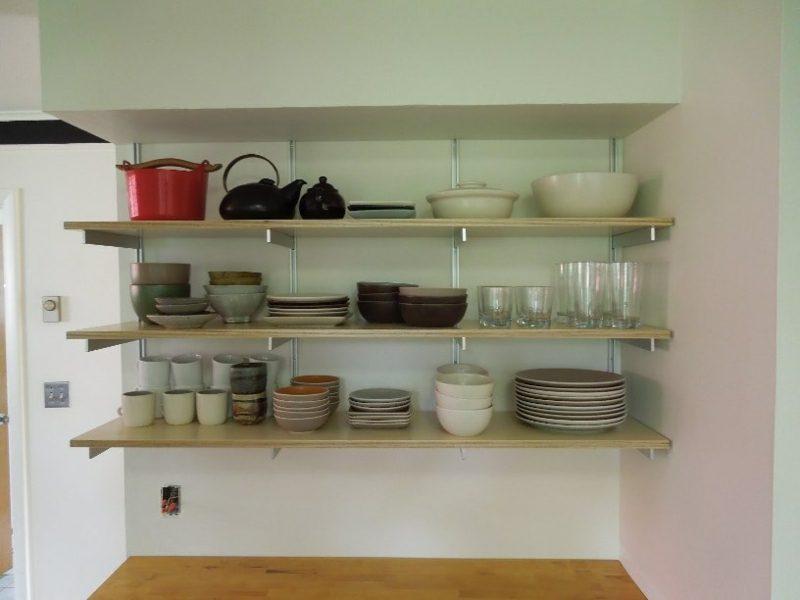 Küchenregale praktisch aus Holz