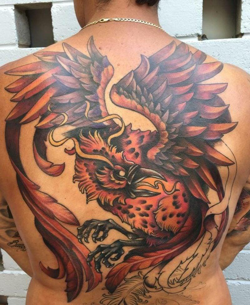 Phönix Tattoo Mann gross eindrucksvoll farbig