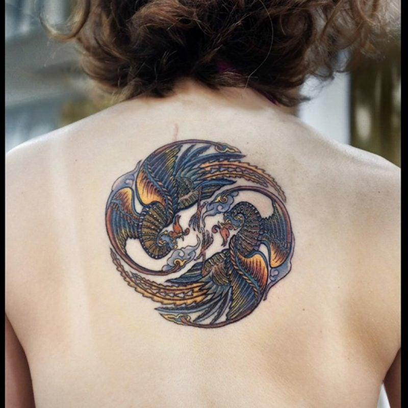Phönix Tattoo Kreis Rücken