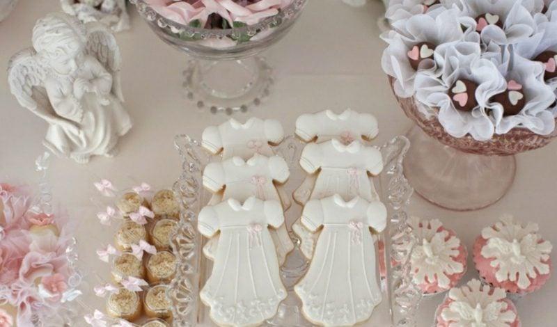 Tischdeko Taufe Kekse backen Engelchen