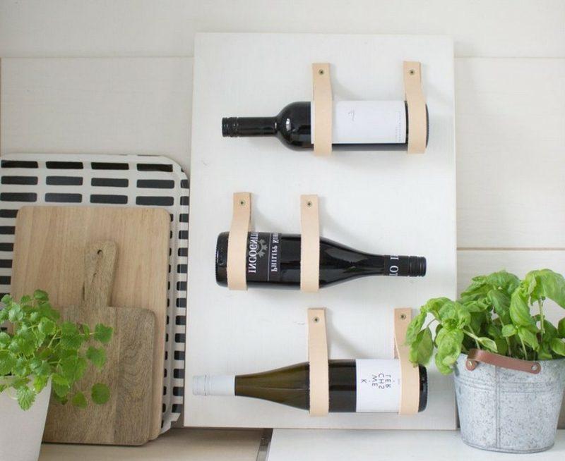 Weinregal selber bauen Kunststoff und Leder