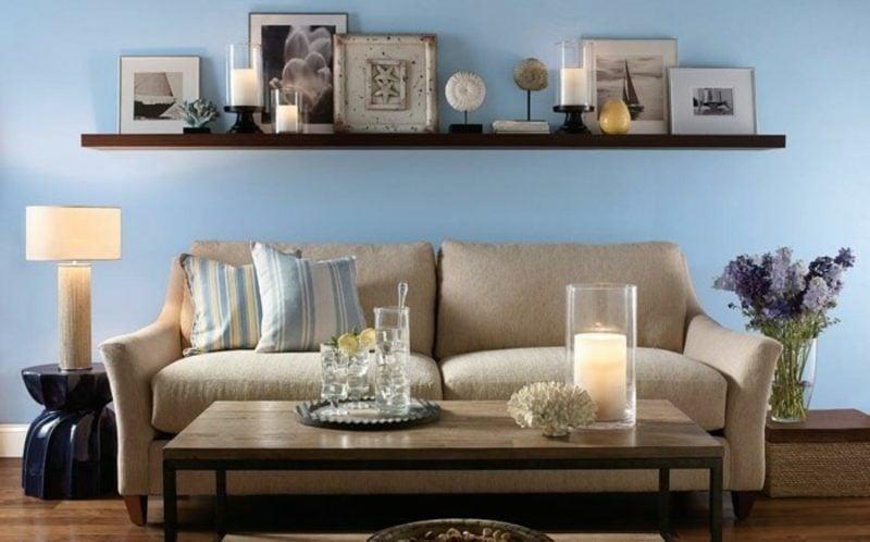 Wohnzimmer farblich gestalten pastelliges Blau beige Sofa