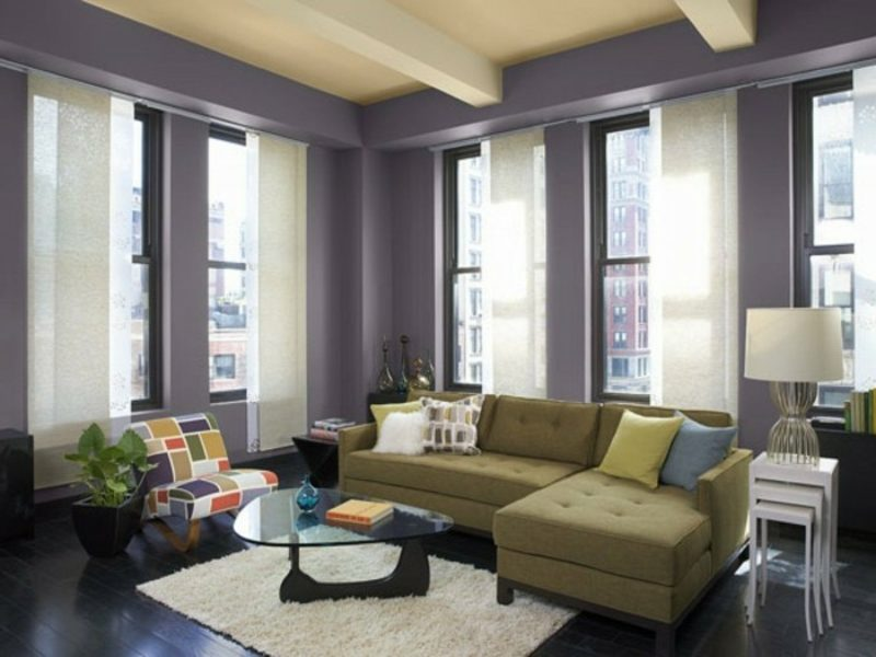 Wohnzimmer farblich gestalten Violett stilvoll