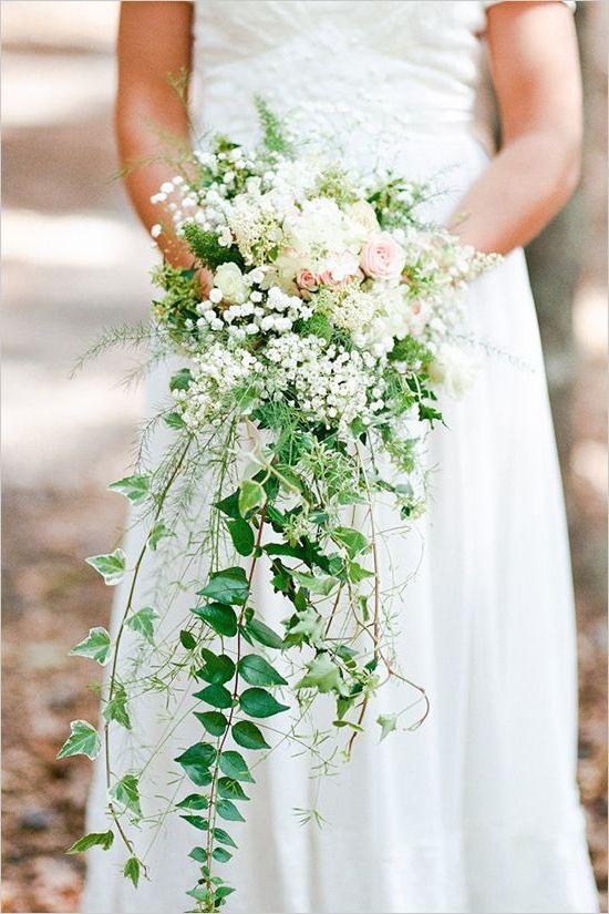 Brautstrauß Wiesenblumen Ideen für ein Wasserfall Hochzeitsstrauß