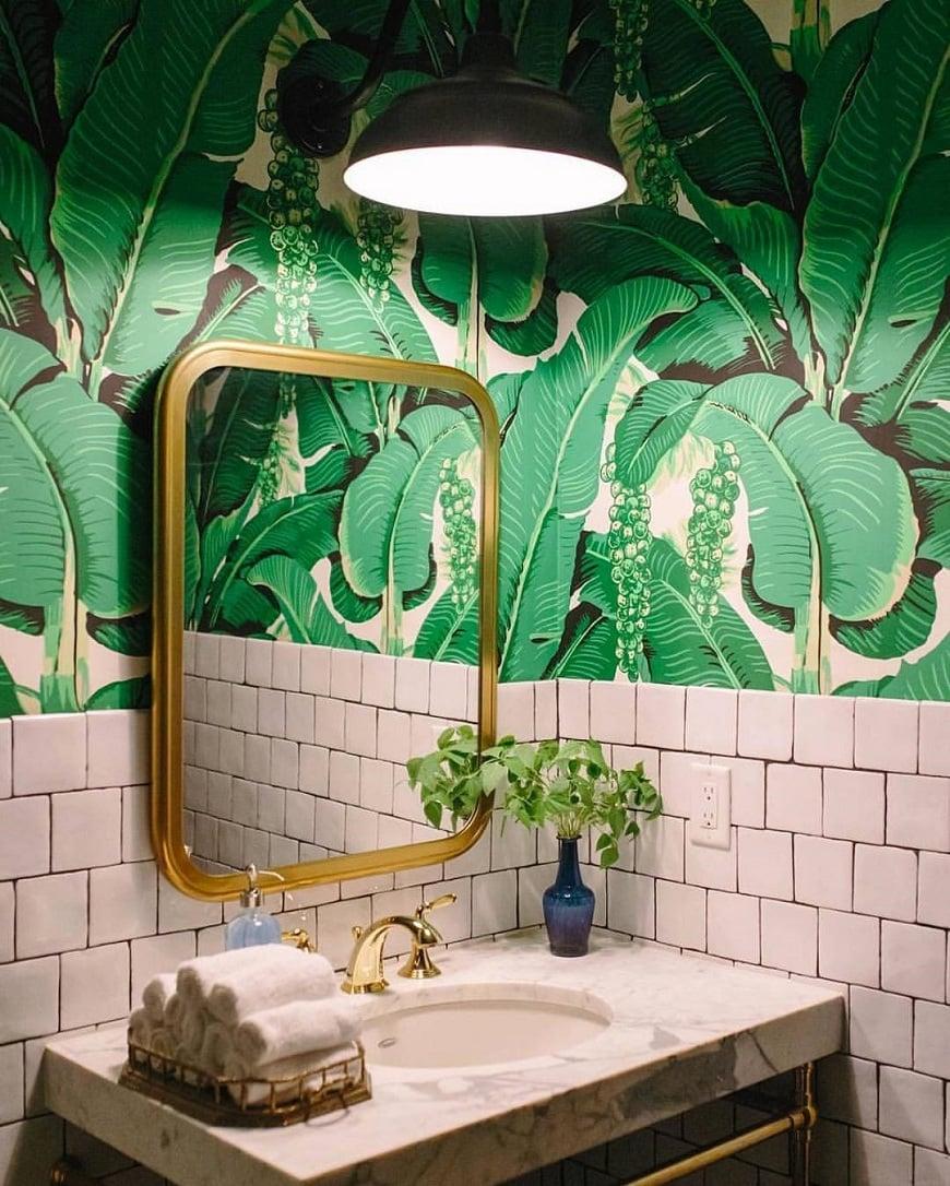 Einrichtungstrend Tropical Paradise - Tropisches Print mit Gold kombinieren