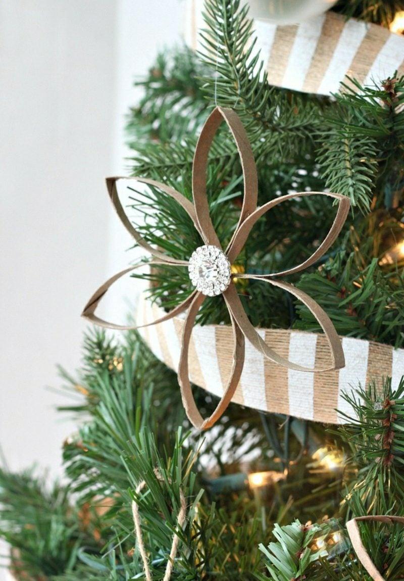 Basteln mit Klopapierrollen Weihnachten Wiehnachtsbaumschmuck Stern herrlicher Look