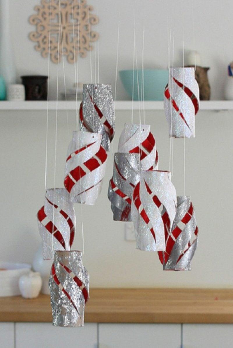 Basteln mit Klopapierrollen Weihnachten hängende Deko