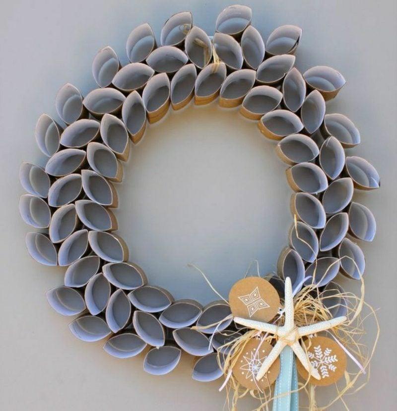 Basteln mit Klopapierrollen Weihnachten Türkranz Ringe
