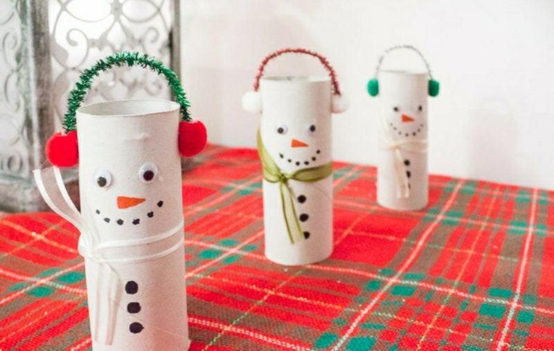 Basteln mit Klopapierrollen Weihnachten lustige Schneemänner