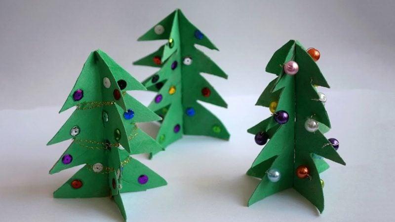 Basteln mit Klopapierrollen Weihnachten herrliche Tannenbäume