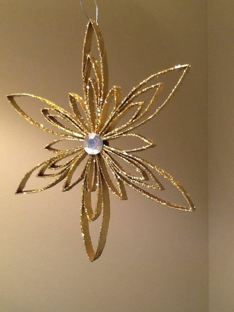 Basteln mit Klopapierrollen Weihnachten Weihnachtsstern golden