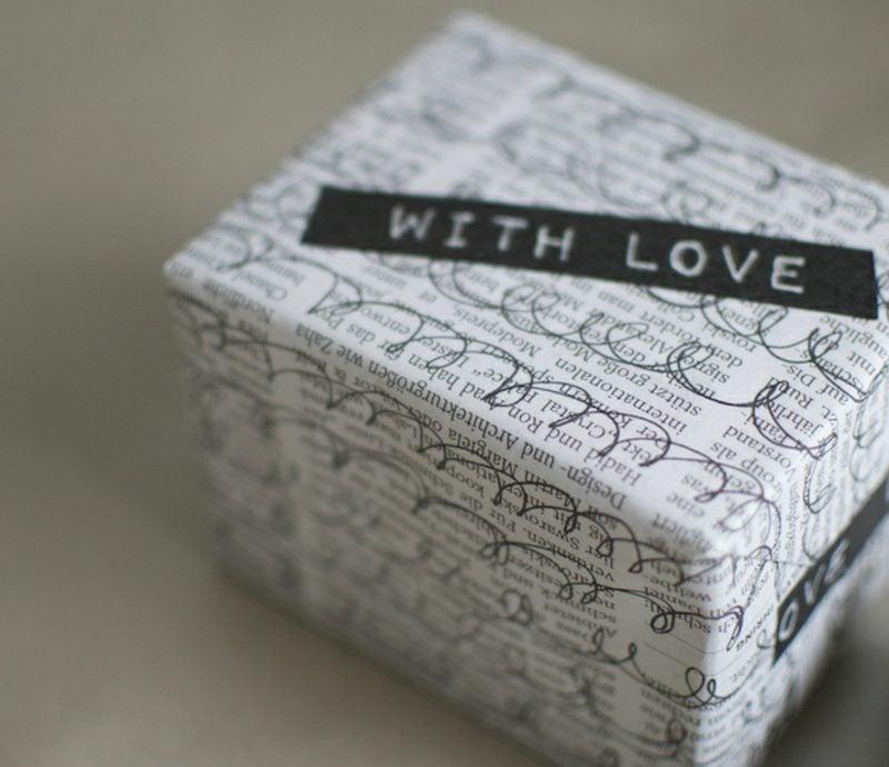 Basteln mit Zeitungspapier Geschenke verpacken