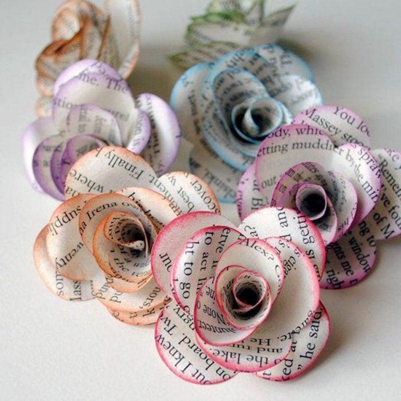 Basteln mit Zeitungspapier Rosen falten und verzieren