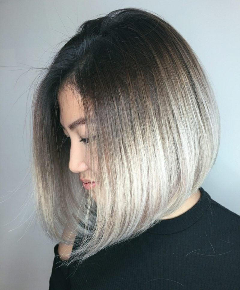 kurzer Bob glatt asymmetrisch graue Haare modern