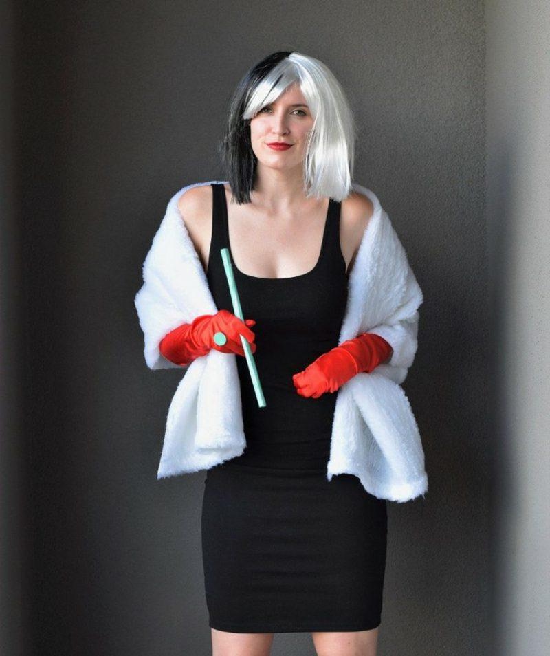 Cruella De Vil Kostüm Perücke Schal schwarzes Kleid
