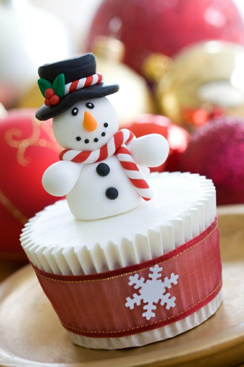 Weihnachts Cupcakes Schneemann aus Fondant herrlicher Look