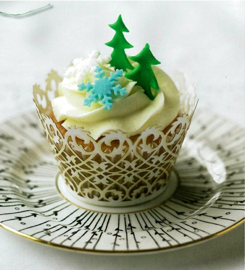 Weihnachts Cupcakes stilvolle Deko aus Fondant