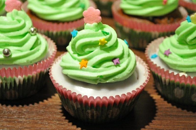 Weihnachts Cupcakes Tannenbaum grüne Glasur