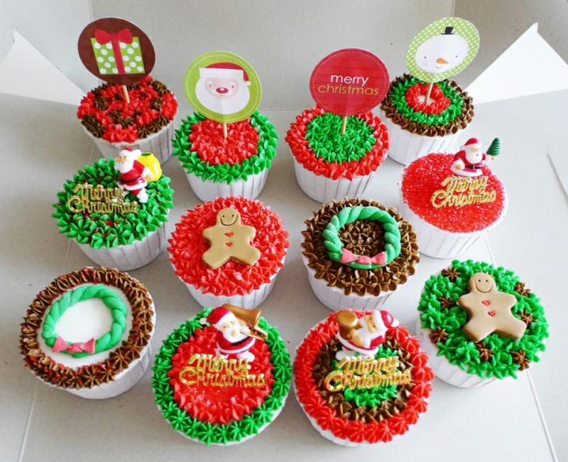 Weihnachts Cupcakes eindrucksvolle Deko grüne und rote Glasur