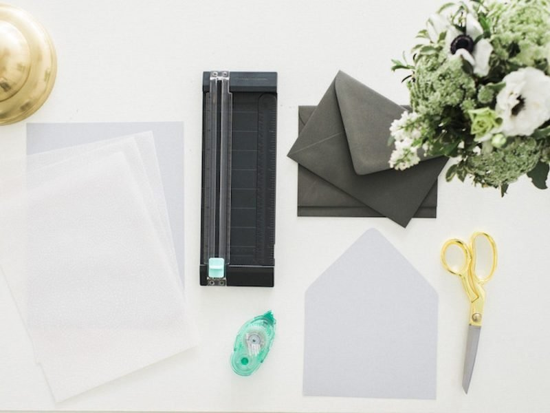 Briefumschlag falten Einladungen notwendige Materialien