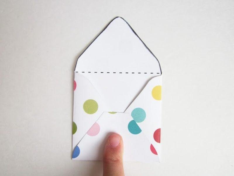 Briefumschlag falten Punktenmuster Vorlage