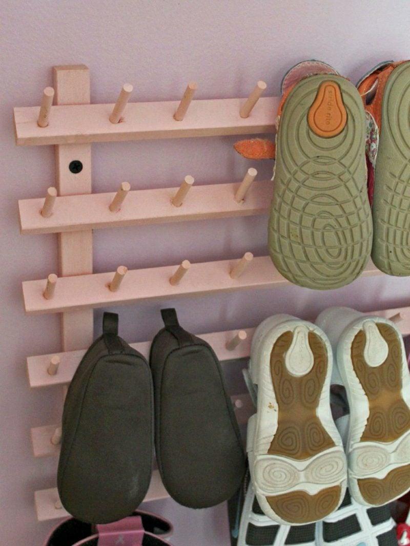 Schuhregal selber bauen Kleiderhaken Holz