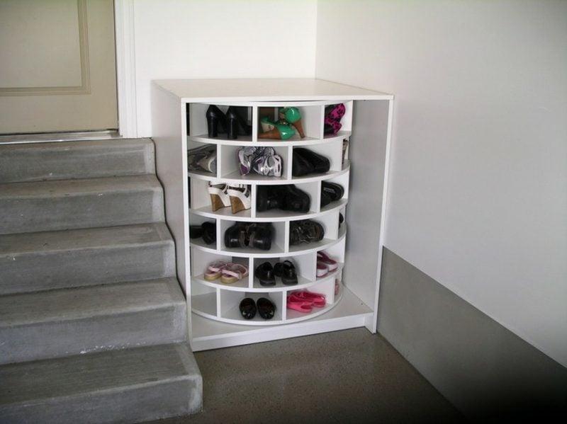 Schuhregal selber bauen drehbar Flur Treppe