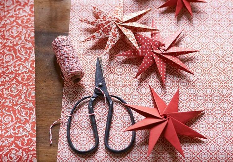 Sterne basteln aus Verpackungspapier originelle Idee