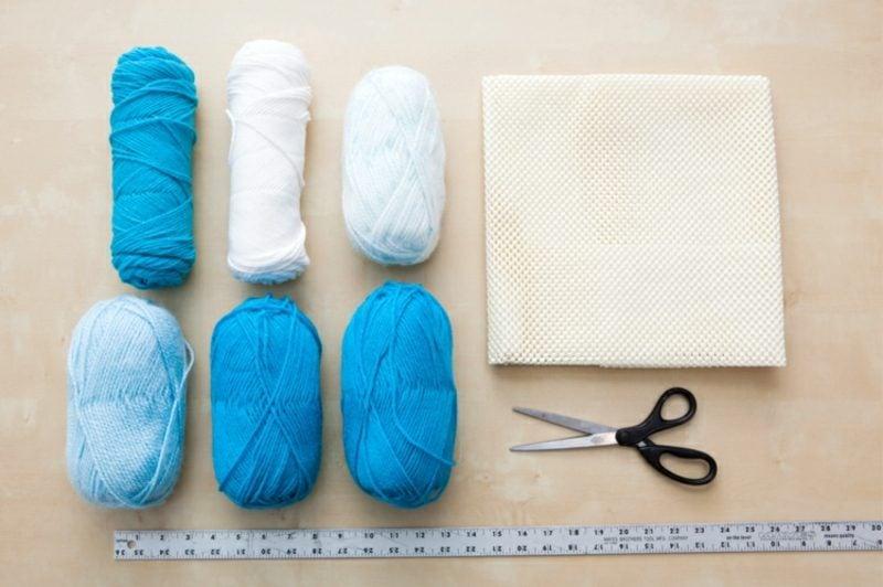 Teppich selber machen mit Bommeln notwendige Materialien