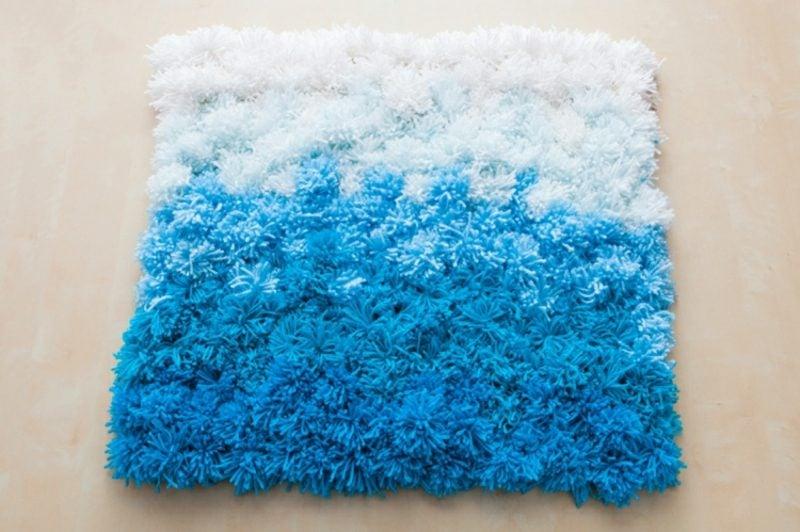 Teppich selber machen aus Bommeln Maritim Stil