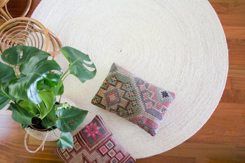Teppich selber machen rund stilvoll weiss