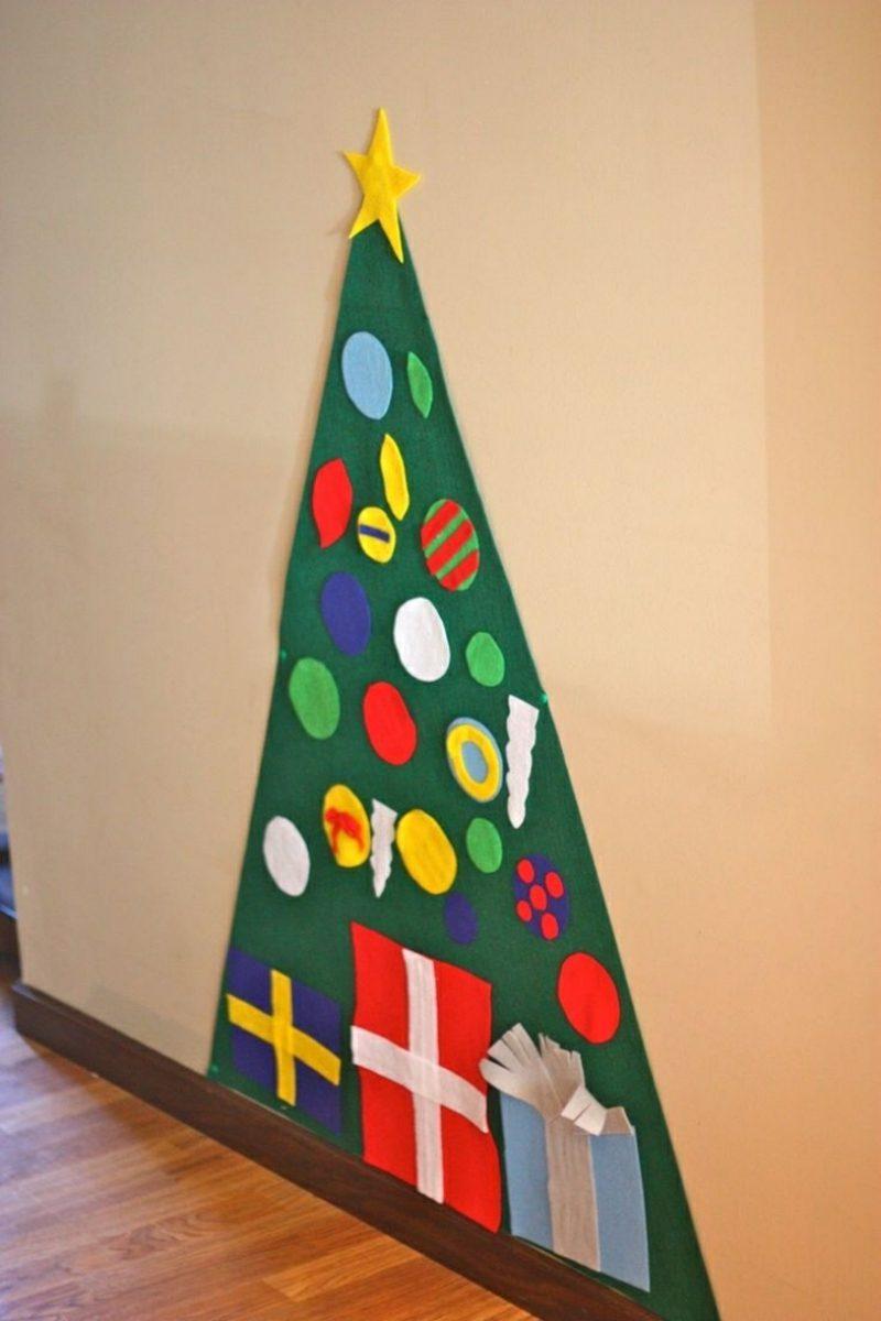 Weihnachtsbaum basteln und an der Wand kleben