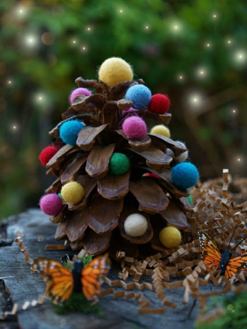 Weihnachtsbaum basteln aus Tannenzapfen Kleinformat