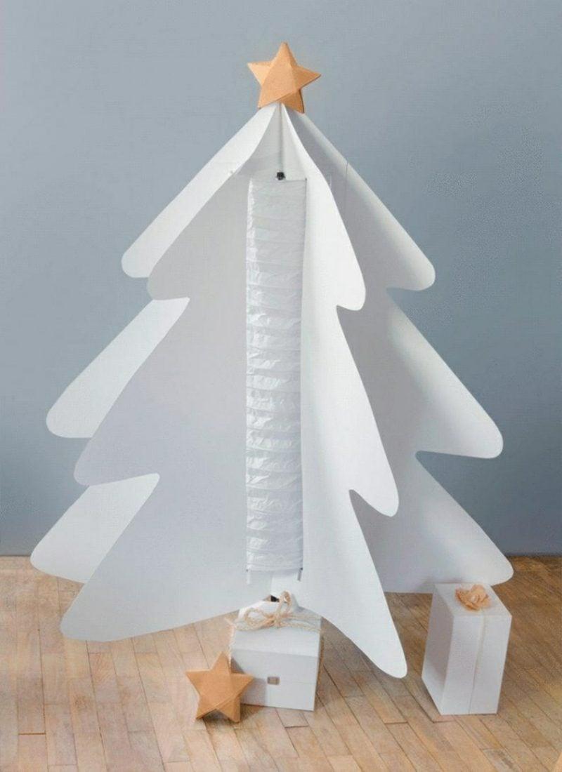 Weihnachtsbaum basteln aus weissem Karton