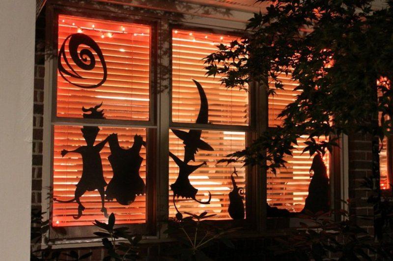 Halloween Deko selber machen für drauβen Fenster Silhouetten Hexe