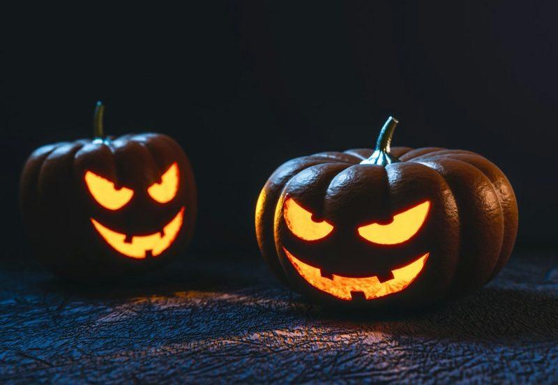Halloween Deko selber machen für drauβen Kürbislaternen