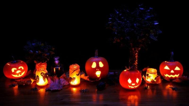Halloween Deko selber machen für drauβen Windlichter Kürbislaternen