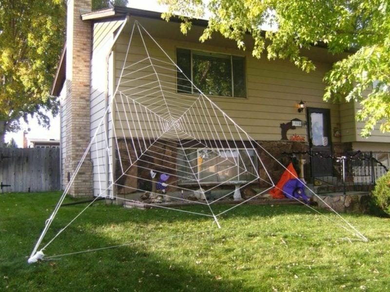 Halloween Deko selber machen für drauβen Spinnennetz