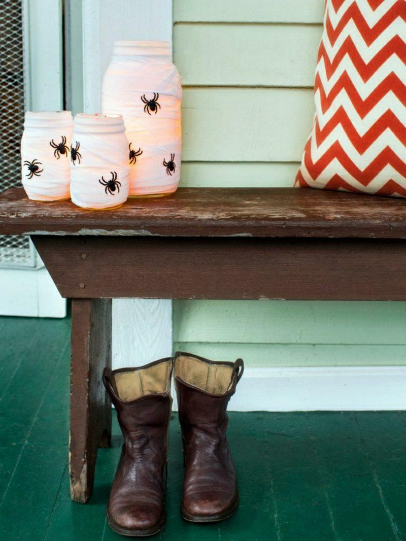 Halloween Deko selber machen für drauβen Windlichter Terrasse Spinnen