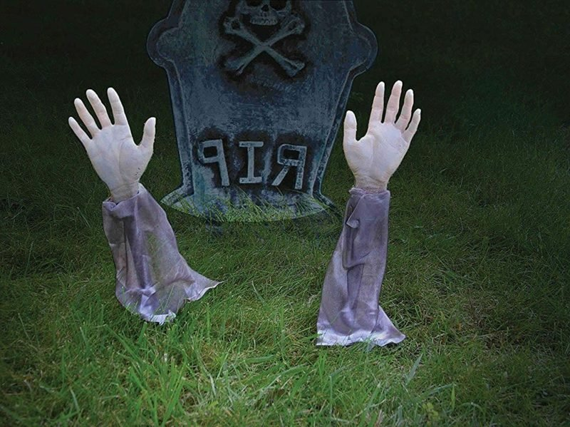 Halloween Deko selber machen für drauβen Zombie Grab