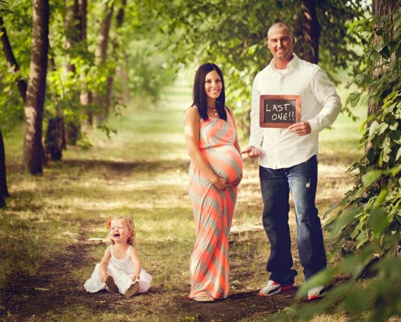 Schwangerschaftsfotos aufnehmen Familie lustig